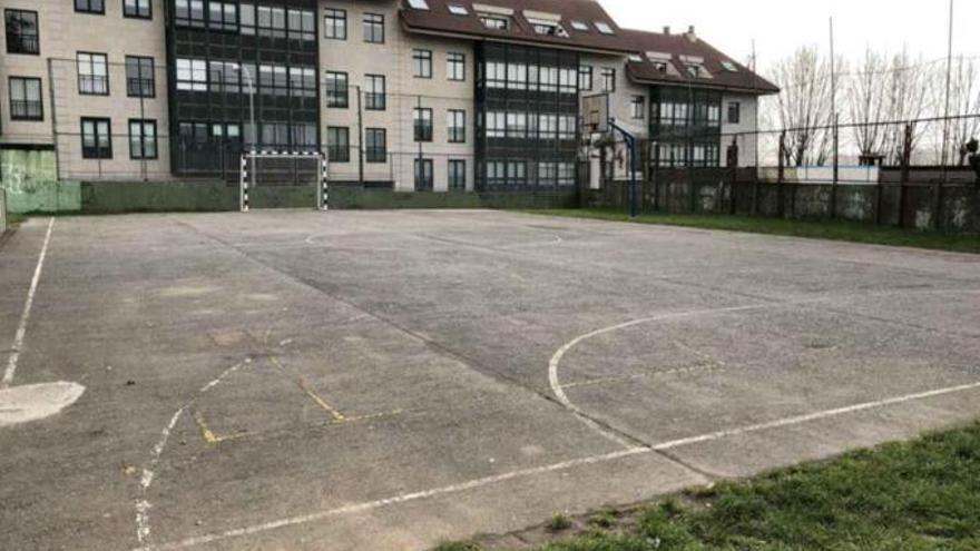 Cambre adjudica la renovación de la pista del colegio Fernández Flórez