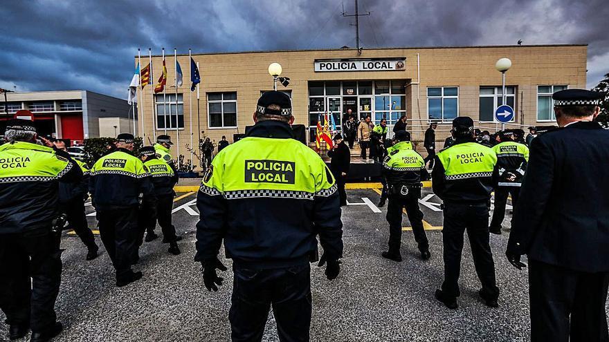 Un juez condena al Ayuntamiento de Torrevieja y el alcalde por no atajar el acoso laboral a un policía local