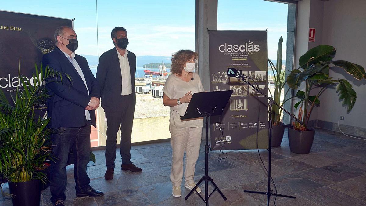 De izquierda a derecha, Argimiro Serén, Alberto Varela y Rosina Sobrido, ayer en la presentación del ClasClás.    // NOÉ PARGA