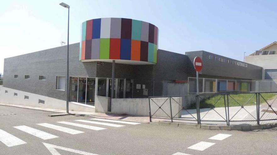 """IU Benavente critica que la Junta destine """"cero euros"""" al Centro de Educación Infantil Alfonso IX"""
