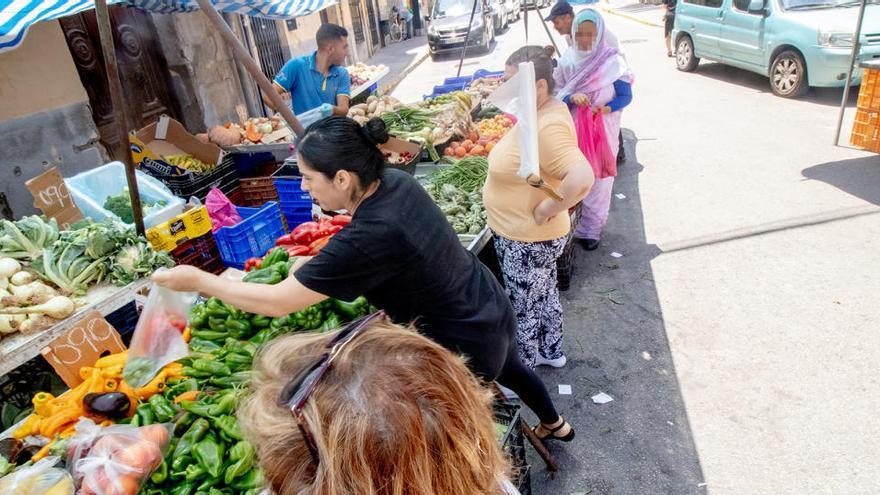 Orihuela autoriza la participación del sector textil en todos sus mercadillos