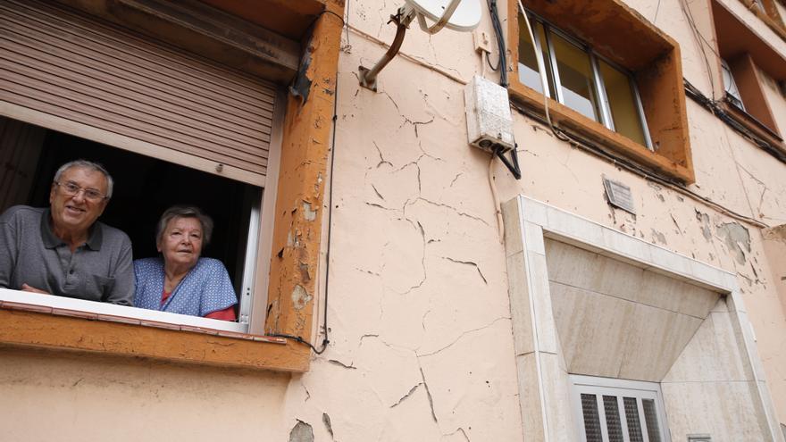 """Los vecinos de los barrios degradados, tras el parón de obras: """"Es un desastre"""""""