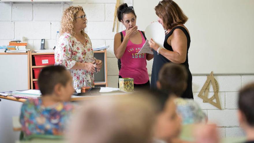 Canarias contará con 3.300 docentes más en el próximo curso