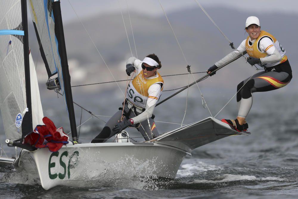 Las españolas Tamara Echegoyen y Berta Betanzos venían de ganar el oro en Londres 2012 en la clase 49er FX femenino y en Río acabaron cuartas tras partir en primera posición en la última jornada.
