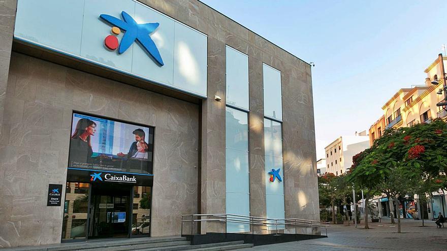 CaixaBank colabora con la Cámara en la difusión de las ayudas por el covid