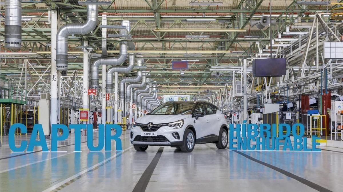 La planta de Renault en Valladolid empieza a producir el Captur híbrido enchufable