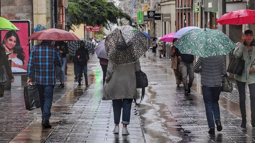 Dos borrascas traerán a Canarias tormentas, oleaje, lluvias y fuertes vientos
