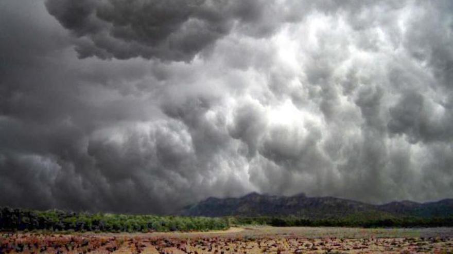 El Noroeste de la Región, en alerta amarilla hoy por tormentas