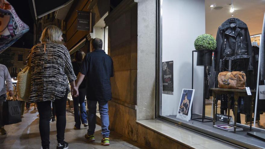 Els comerciants fan del centre de Manresa una festa nocturna