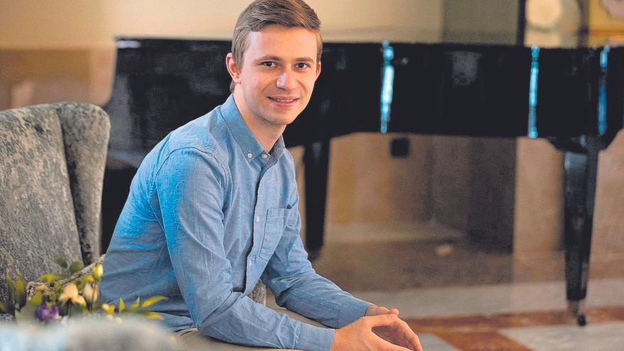 El pianista Dmytro Choni ofrece un recital en el hotel Santa Catalina