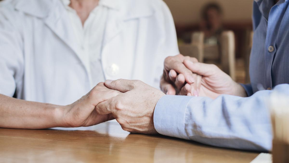 Muchos cuidadores han pasado a serlo las 24 horas del día debido a las circunstancias actuales.