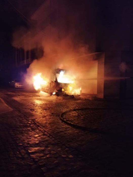Incendio de seis vehículos en Catarroja
