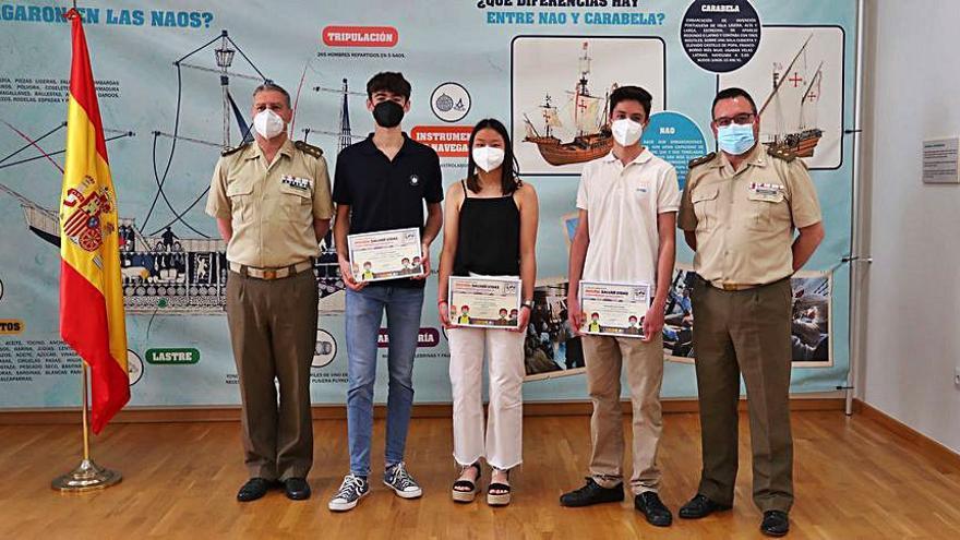 Operación Balmis: héroes de uniforme bajo mirada adolescente