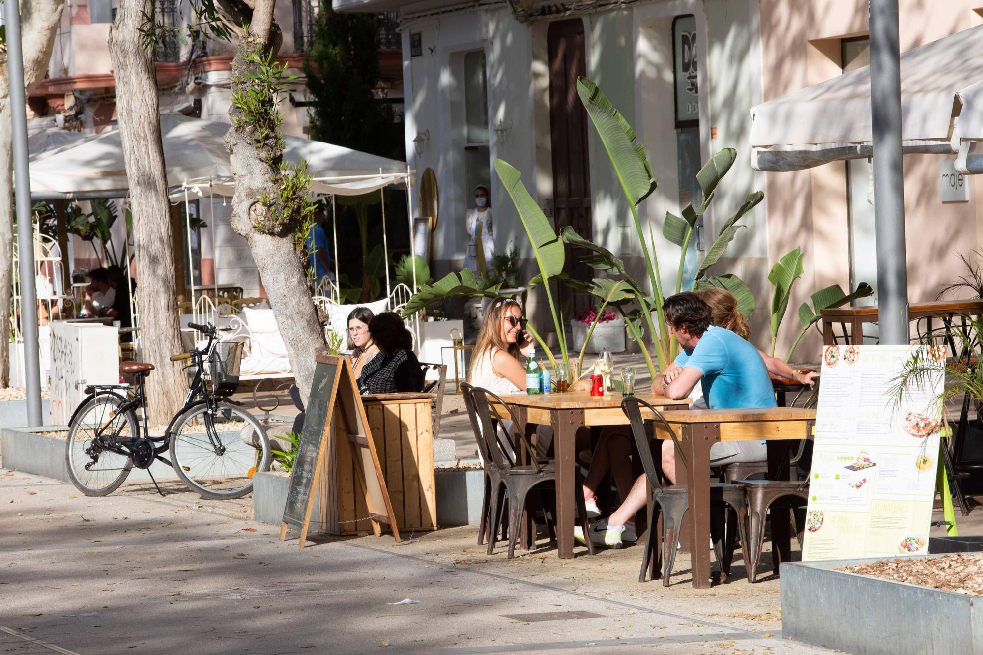 Las terrazas de Ibiza abren hasta las 22.30 horas