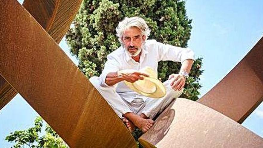 Micky Molina debuta como director en Ibiza