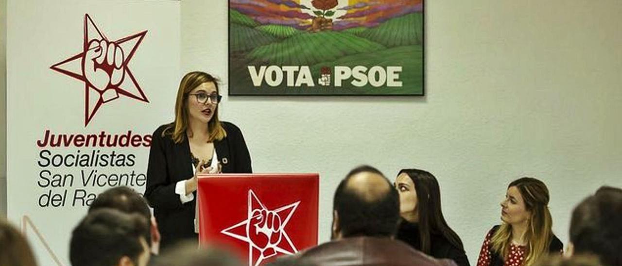 La jefa de prensa cesada, Ana López, es a su vez presidenta de las Juventudes Socialistas de San Vicente. | INFORMACIÓN