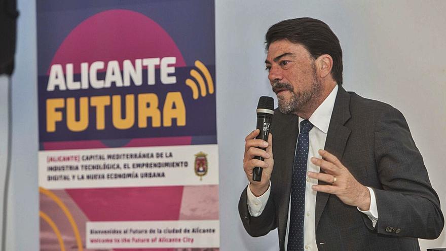 El bipartito destina 560.000 euros en un año a externalizar el proyecto de atraer a la ciudad empresas digitales