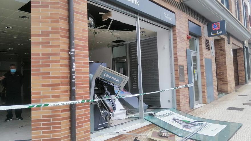 Trasladan a Ponferrada a los tres detenidos en Oviedo por asaltar cajeros automáticos