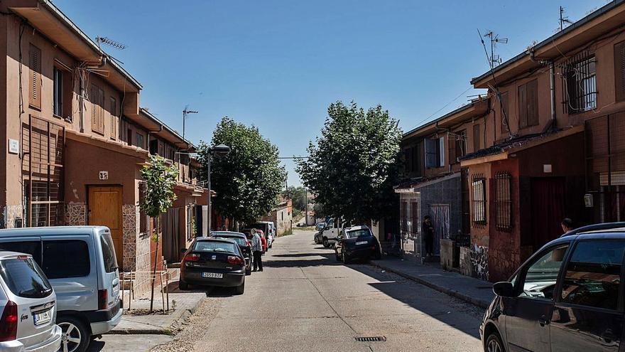 Zamora anuncia un plan para la reforma interior de la zona de Rabiche