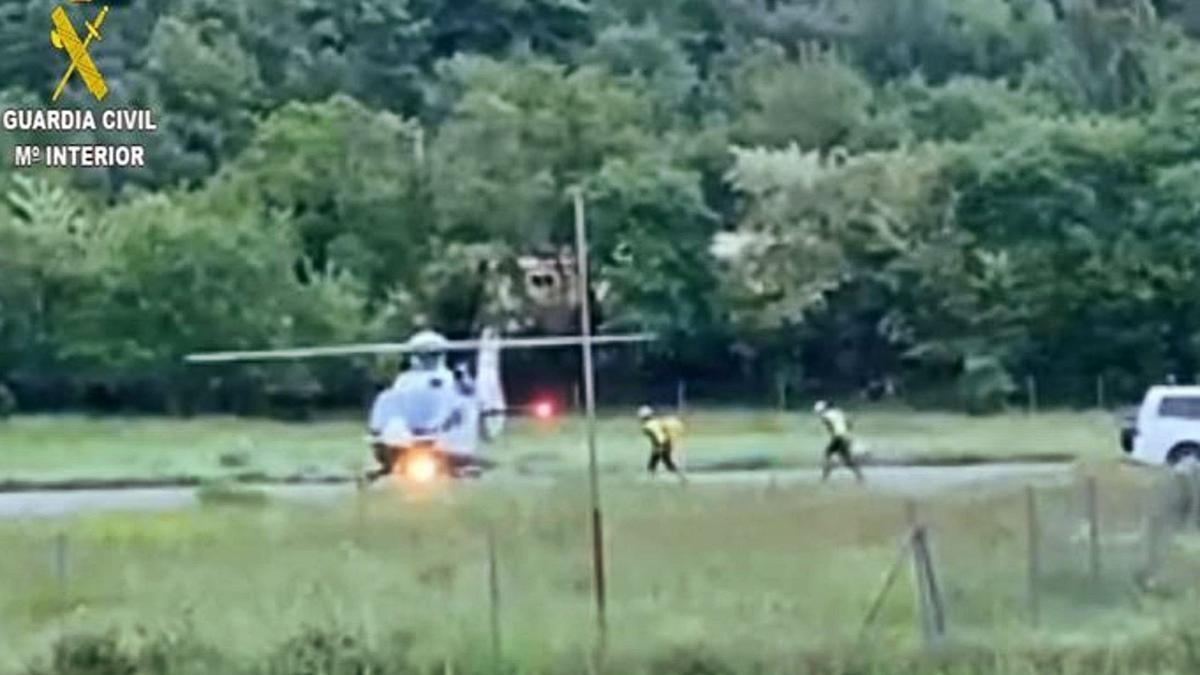 El helicóptero que recuperó el cuerpo sin vida de la barranquista de Barbastro.  | GUARDIA CIVIL