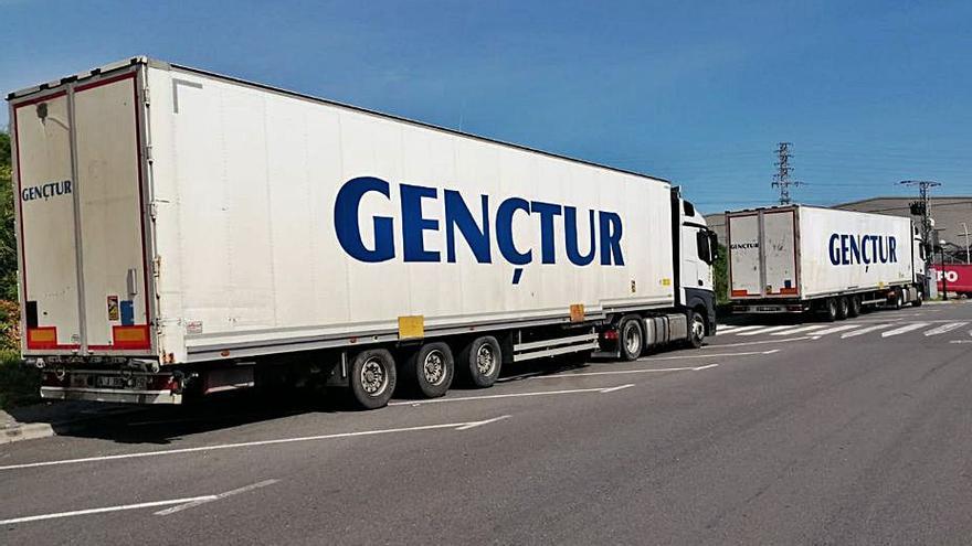 Quejas en O Rañal por la presencia de camiones aparcados
