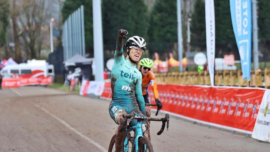 La suecana Sara Bonillo se alza con el Sub 23 nacional de ciclocross en Torrelavega