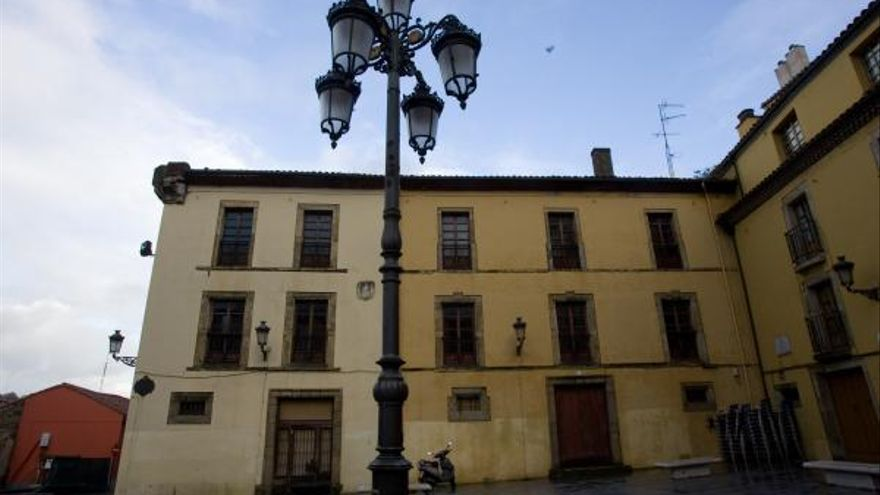 Acelerón a la reforma del Palacio de Carlos Lobo como apartamentos