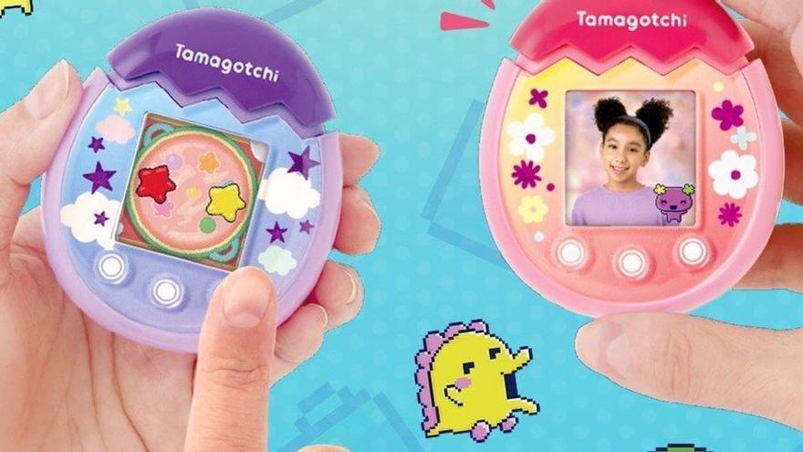 Torna el Tamagotchi: renovat amb càmera, pantalla en color i botons tàctils