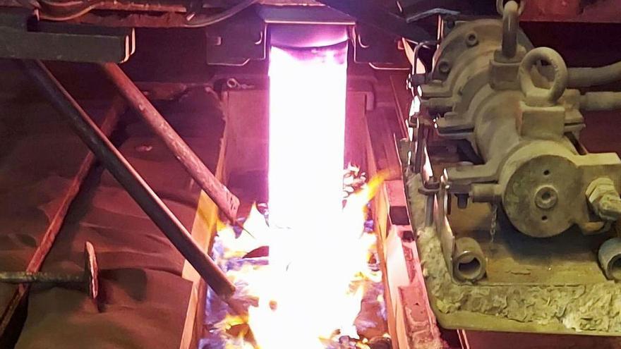 La acería de Avilés materializa su apuesta por el eólico marino con nuevos desbastes
