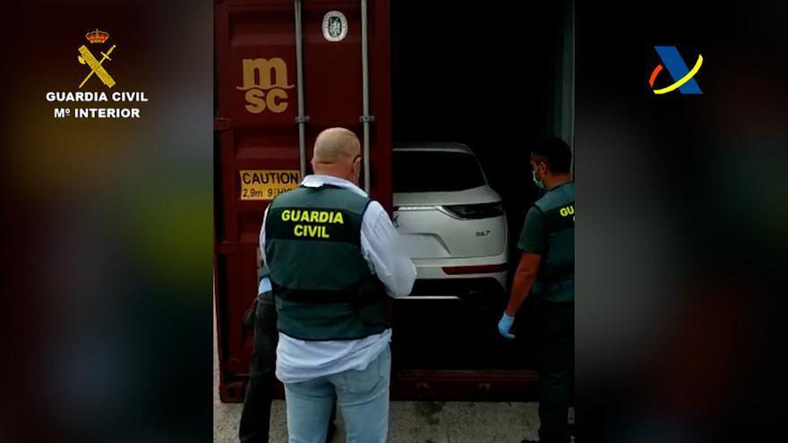 La Guardia Civil recupera en el Puerto de la Luz trece vehículos robados en la Unión Europea