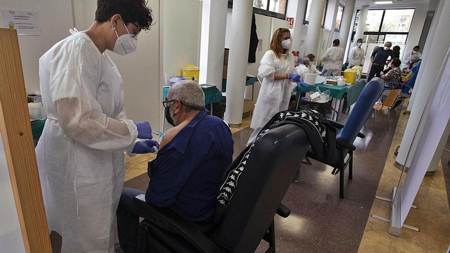 El 76 % de las personas citadas en el Port acudió a recibir la vacuna