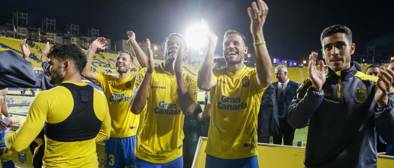 Dani, Javi, Rémy y Borja Herrera festejan el triunfo ante los béticos.
