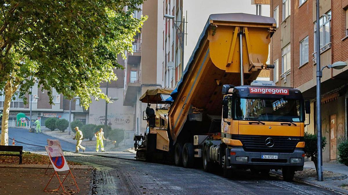 Trabajos de asfaltado en uno de los planes ejecutados con anterioridad.