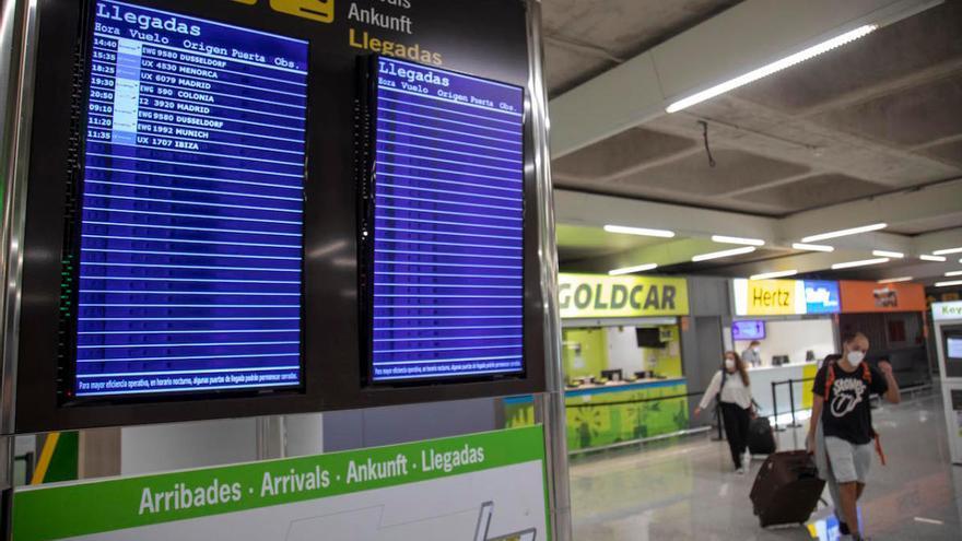 Unos 900 viajeros obligados a pasar la cuarentena al llegar a Baleares en 18 días