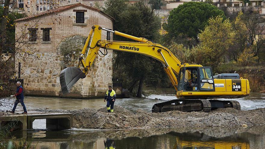 Obras en el azud de Cabañales de Zamora: Un dique para entrar al río Duero