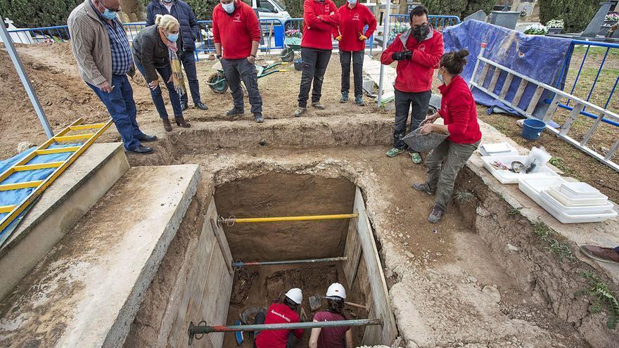 El Consell da 225.000 € al bipartito para exhumaciones del franquismo