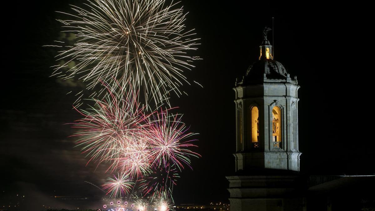 El castell de focs de l'any passat -