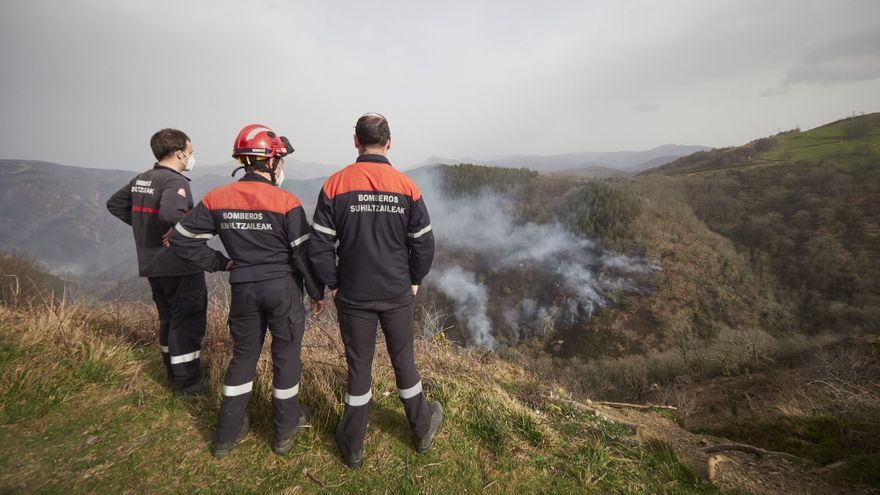 "El incendio de Navarra se mantiene ""estable"""