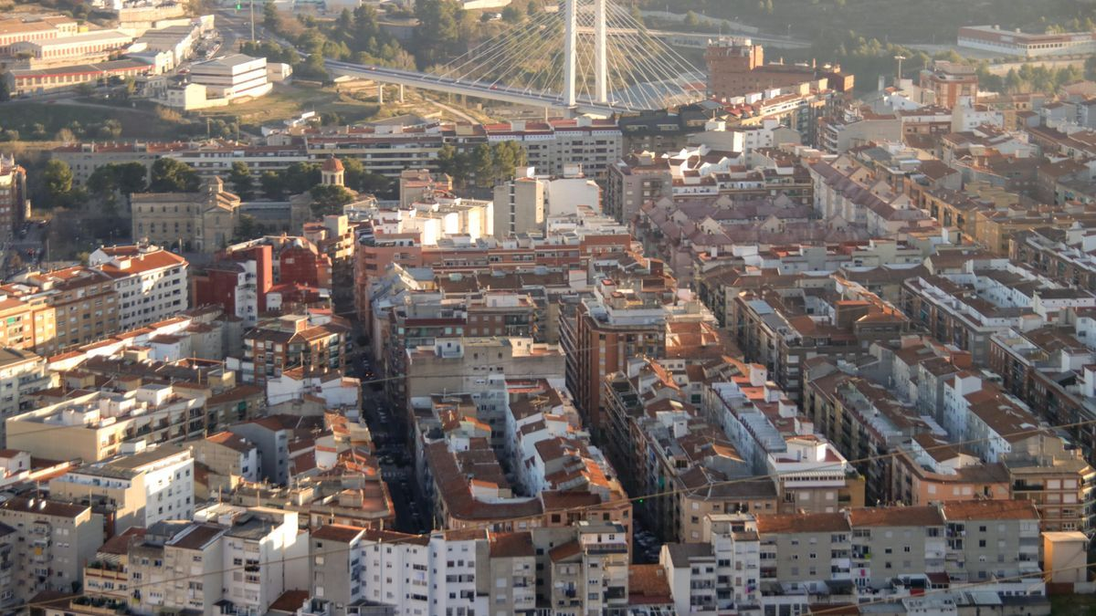 General view of the city of Alcoy showing its size.