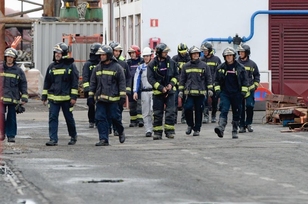 Simulacro de incendio en un buque en el Puerto de La Luz