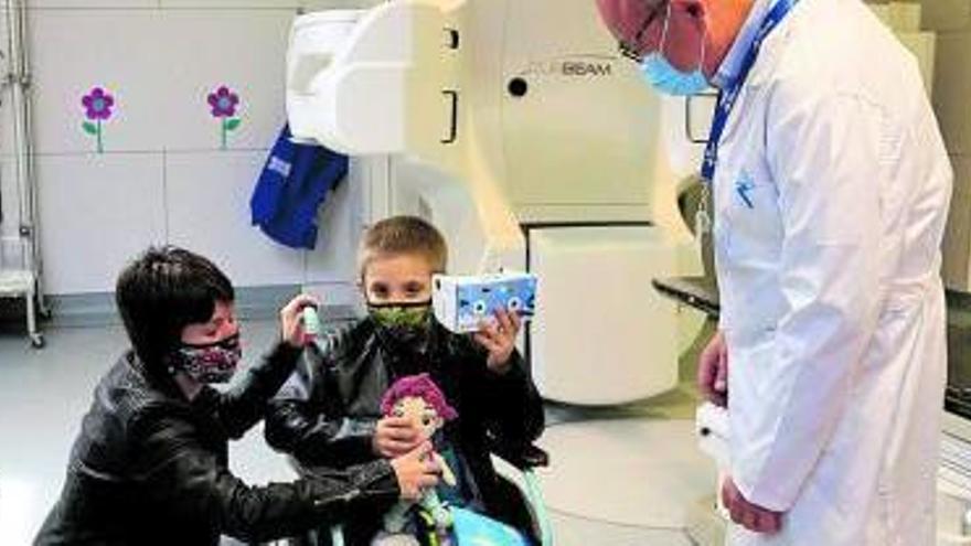 La realitat virtual redueix la por dels infants que reben radioteràpia