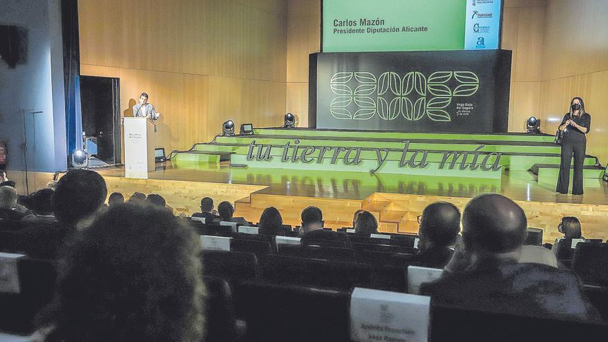 Una marca territorial une a los 27 municipios de la Vega Baja, a la Diputación y a la Generalitat