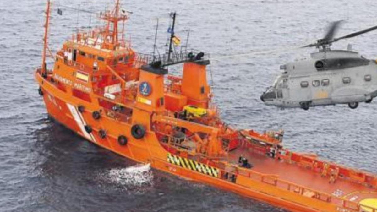 Salvamento busca una patera que salió de Tan-Tan hacia Canarias con 62 personas
