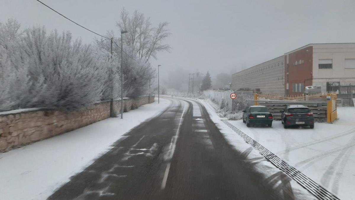 Una carretera con huelo en la provincia de Zamora