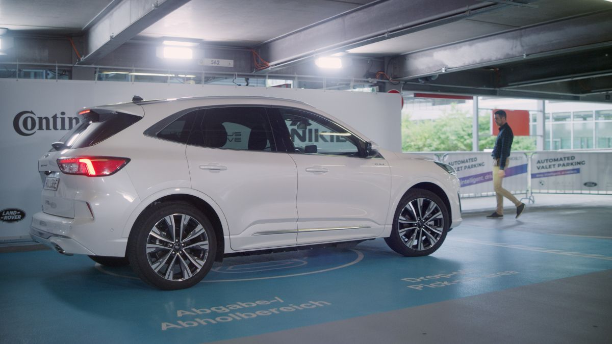 Ford lleva el aparcamiento a un nuevo nivel con su aparcacoches automático