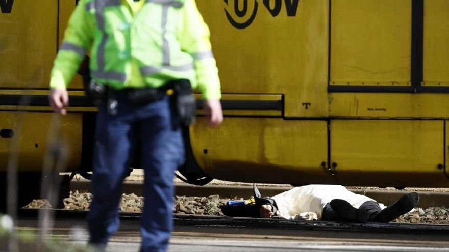 La Policía busca un Renault Clio en el que habría huido un atacante de Utrecht