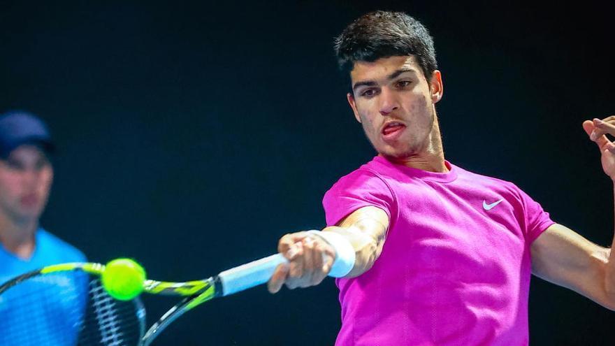 Alcaraz se estrenará ante otro jugador de la previa en el Abierto de Australia