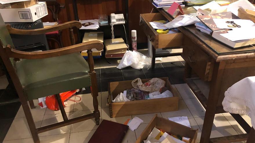Roban las colectas de la misa en la iglesia de la Purísima Xiqueta de Benissa