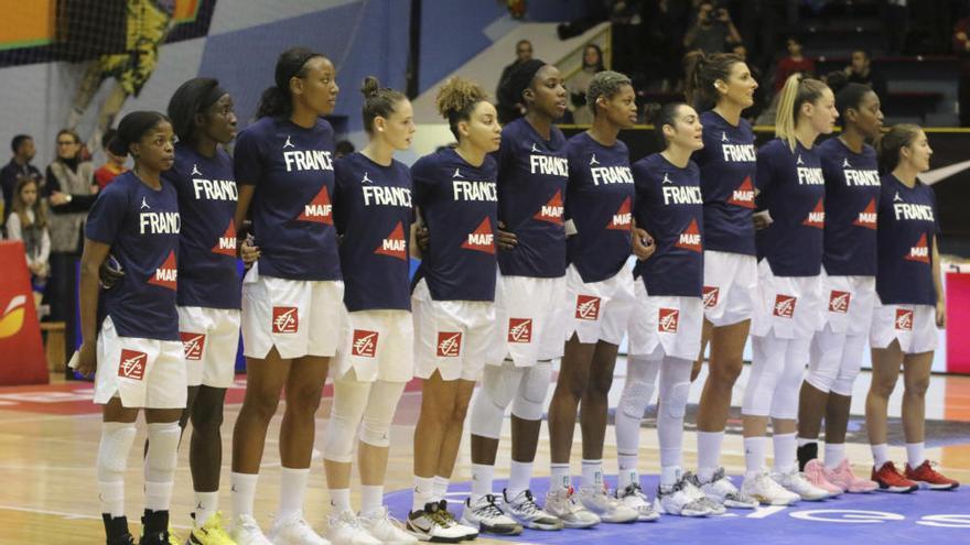 Partido entre las selecciones de baloncesto femenino España y Francia en Zamora