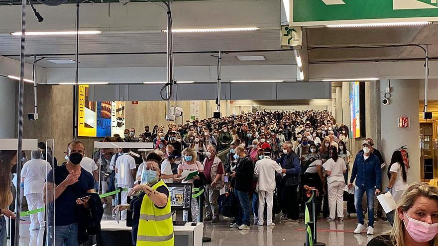 Caos aeroportuario: el tiempo de espera se multiplica por dos